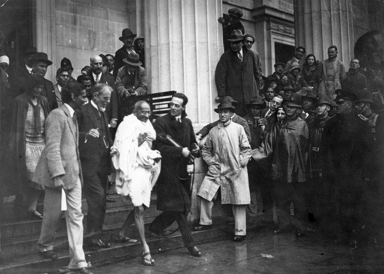 Британцы и Махатма Ганди