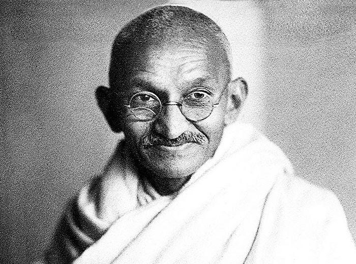 О Махатме Ганди