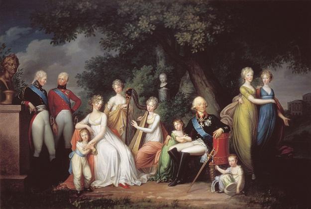 На этой картине изображено четыре императора: в центре Павел, слева Александр I и Константин I, рядом с матерью-императрицей Николай I. Рядом с Павлом I младший сын Михаил.