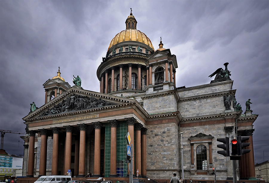 О скандале по поводу передачи церкви Исаакиевского собора